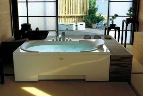 Decoración del baño con hidromasaje
