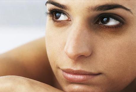 consejos para que el cansancio y el estés no se noten en los ojos