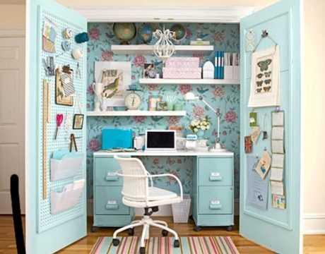 Cómo decorar el escritorio dentro del armario