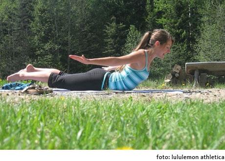 practica de yoga para disminuir el estrés