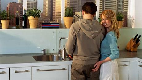 realizar las tareas del hogar juntos